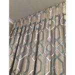 Комбинированные шторы в спальне 4