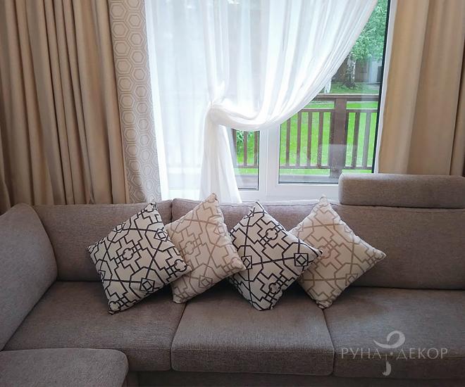 Текстильный декор гостиной 02